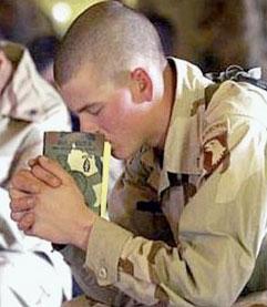 soldier-pray